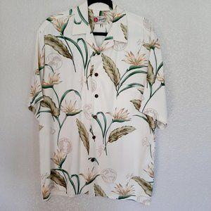 Hilo Hattie Hawaiian Short Sleeve Button Up